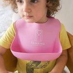 Bavoir imperméable pour bébé en silicone avec nettoyage facile. Set de 2couleurs (Rose/Mauve) yambino® de la marque Yambino image 4 produit
