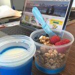 CasaBasics uuml;sli to Go Gobelet avec compartiment à lait isotherme et cuillère Pour céréales, yaourt, muesliBleu de la marque CasaBasics image 4 produit