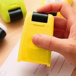 ID protection auto-encreur Bloquer le vol d'identité Erase-it Rolling Tampon de confidentialité par Clever Ours de la marque CLEVER BEAR image 1 produit
