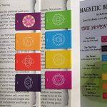 Les Marques-page Signets Magnétiques Pointeurs De Chakra Avec De Beaux Mandalas A Fermeture, Colorés Et Avec Des Infos Des Deux Côtés Du Support (2.7 cm x 4 cm Repliés, 8 Pièces) - En Anglais de la marque MAGnerds® image 1 produit